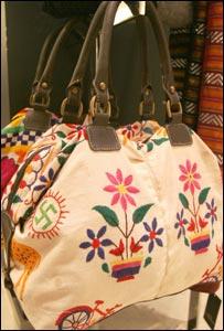 borsa con svastica di Zara