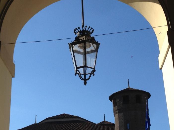 lampioni e portici di Torino